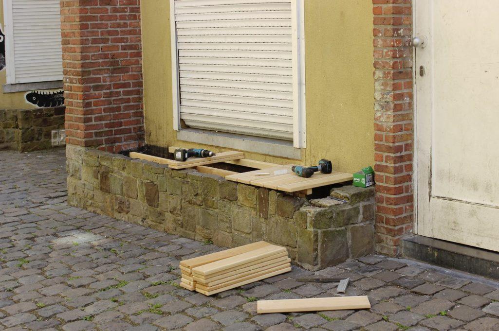 installation de l'assise en bois imputrescible