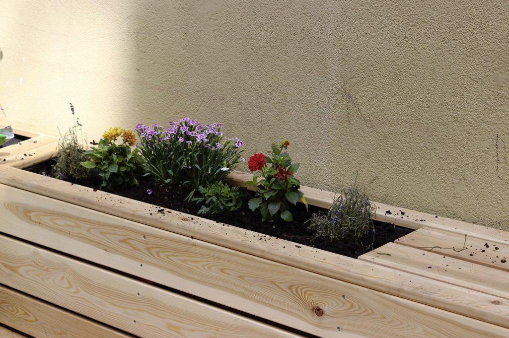 la jardinière de fleur est réalisée sur-mesure